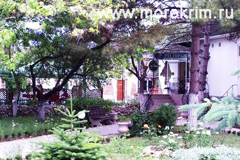 Внутренний дворик в пансионате 'Корона', Евпатория, Западный Крым - путевки и отдых.