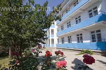 Внешний вид пансионата 'Крымское приморье', в Курортном, Восточный Крым - путевки и отдых.