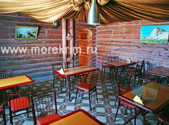 Кафе в отеле 'Самоцветы', Коктебель, Восточный Крым - путевки и отдых.