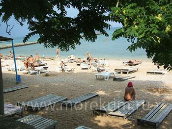 Пляж санатория 'Восход', Феодосия, Восточный Крым - путевки и отдых.