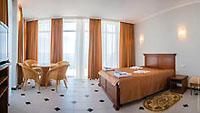 Номер Люкс-комфорт в отеле спа 'Ливадийский', Ливадия, Ялта, Южный берег Крыма - путевки и отдых.