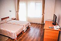 Номер категории 2-местный стандартный, 'Альпийская долина' отель, Алушта, Южный берег Крыма - путевки и отдых.