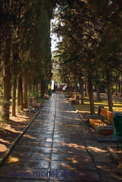 "Территория санатория ""Алуштинский"", Алушта, Южный берег Крыма."