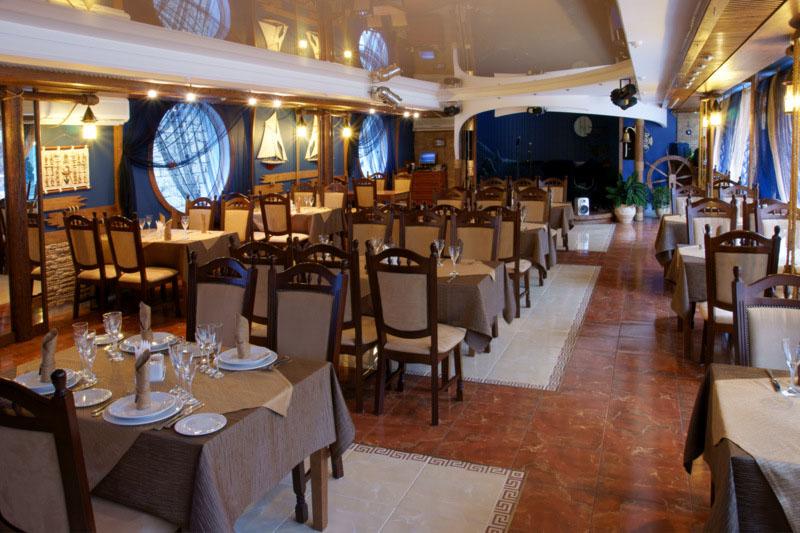 Ресторан, 'Вилла Арго' отель, Алушта, Южный берег Крыма - путевки и отдых.