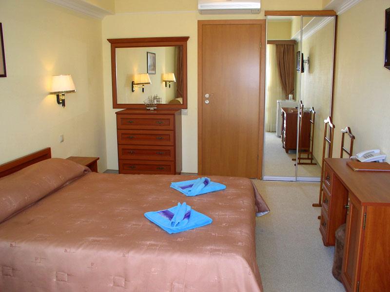 Номер Стандарт А, 'Вилла Арго' отель, Алушта, Южный берег Крыма - путевки и отдых.