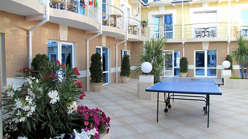 Настольный теннис, 'Вилла Арго' отель, Алушта, Южный берег Крыма - путевки и отдых.