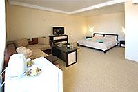 Номер категории Полулюкс, 'Камелот' отель, Алушта, Южный берег Крыма - путевки и отдых.